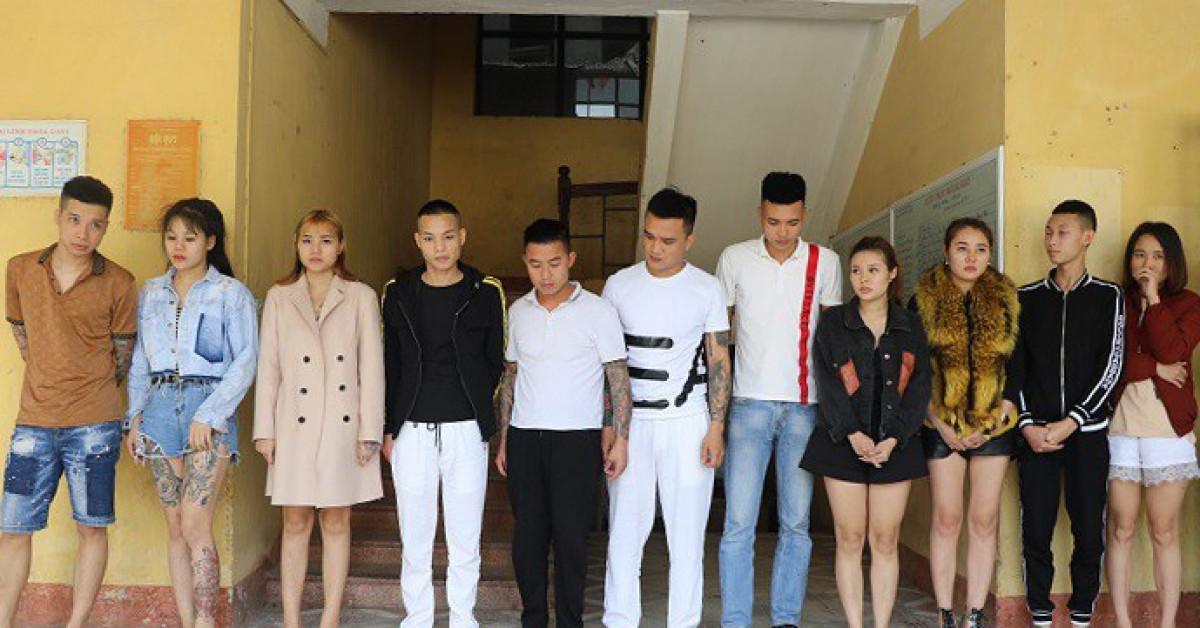 1574844027 thac loan ma tuy uoum Nghệ sĩ Hồng Tơ bị phạt 50 triệu đồng vì đánh bạc