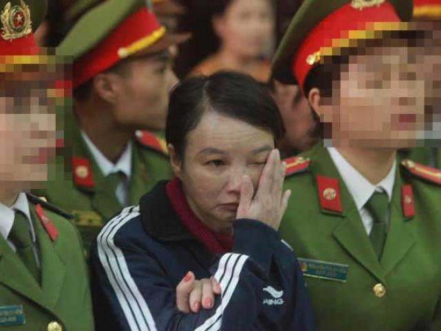 Mẹ nữ sinh ship gà giáp mặt những kẻ sát hại con gái tại tòa