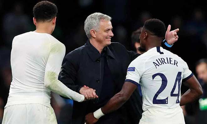 Mourinho thăng hoa với Tottenham: Lần đầu sự nghiệp hay đến thế - 1