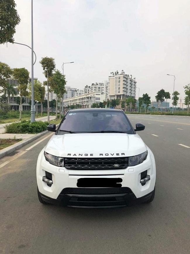 Anh cũng sở hữu xe hơi riêng ở Việt Nam để phục vụ đi lại và biểu diễn.