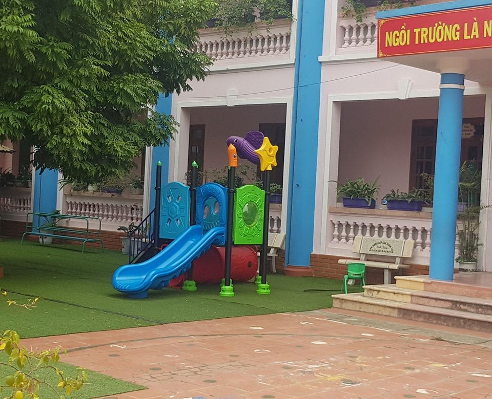 Điều tra vụ bé 3 tuổi ở Hà Nội tử vong khi chơi cầu trượt tại trường mầm non - 1