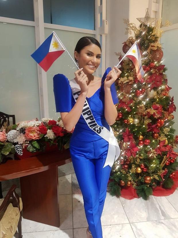 Hoa hậu Philippines rơi vào tình huống éo le khi mặc quần ngược giữa đám đông
