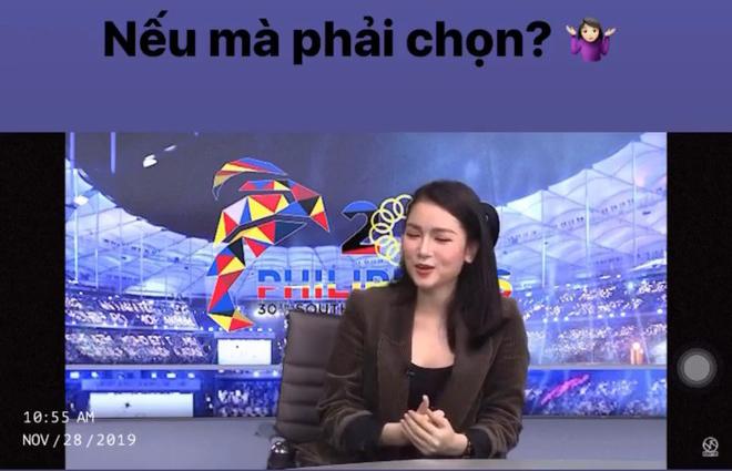 """Thủ môn Bùi Tiến Dũng được nữ MC xinh đẹp VTV """"nói lời yêu"""" khi đang dự SEA Games - 1"""