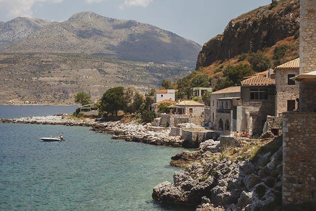 Hòn đảo bí mật đẹp tuyệt vời không kém Santorini - 3