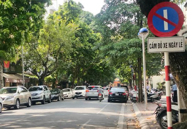 Nóng tuần qua: Học các nước đỗ xe theo ngày chẵn - lẻ, Hà Nội thu được bao nhiêu tiền phạt? - 1