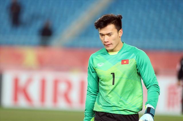 Bùi Tiến Dũng nhận sai sau trận thắng U22 Indonesia, Quyền Linh liền nói điều này - 1