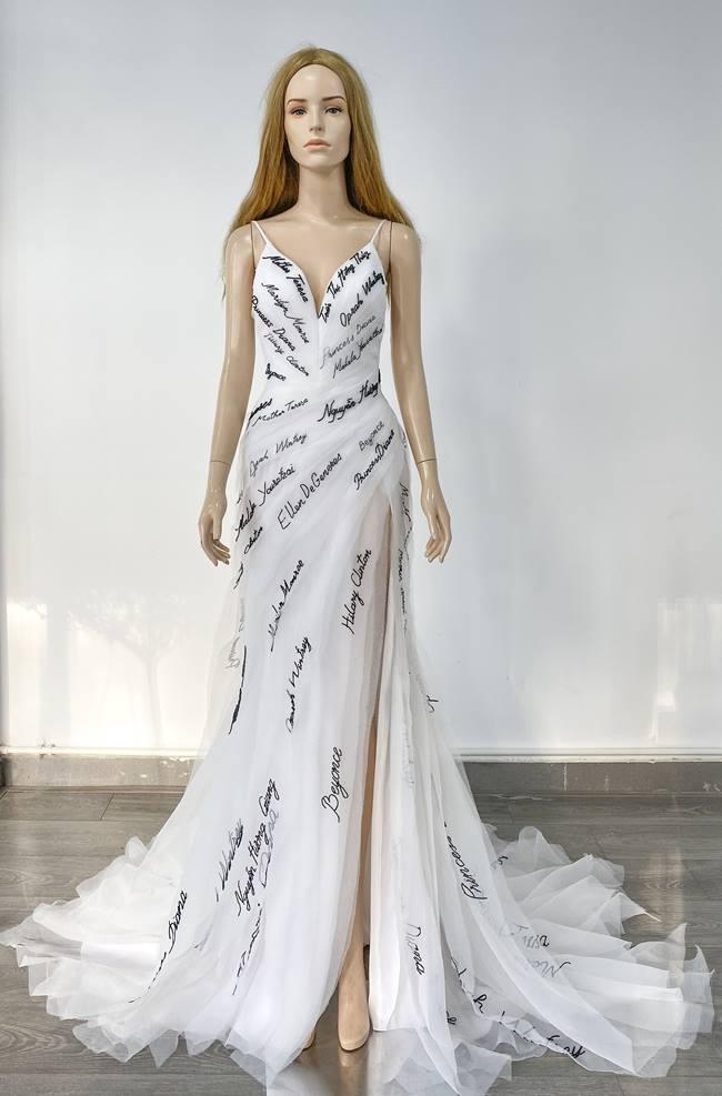 """Á hậu Quốc tế mặc chiếc váy """"độc nhất vô nhị"""" dự bán kết Miss Universe VN - 1"""