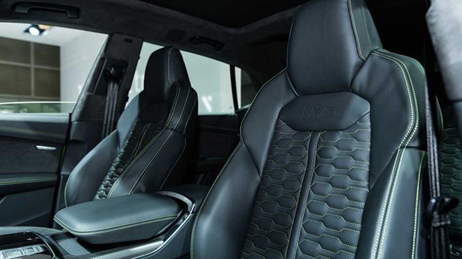 Audi tung phiên bản RS cho dòng xe SUV Q8, giá bán gần 3,3 tỷ đồng - 12