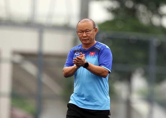 U22 Việt Nam tính kế thắng Singapore: Thầy Park cho học trò...dạo chơi công viên - 1