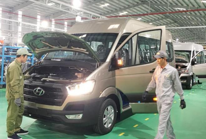 Vì sao chưa thể mơ ô tô giá rẻ ở Việt Nam? - 1