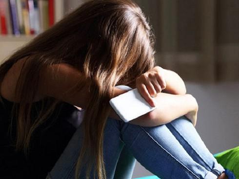 Cha mẹ ly hôn, làm sao để con tránh được cú sốc, không tìm đến cái chết? - 1