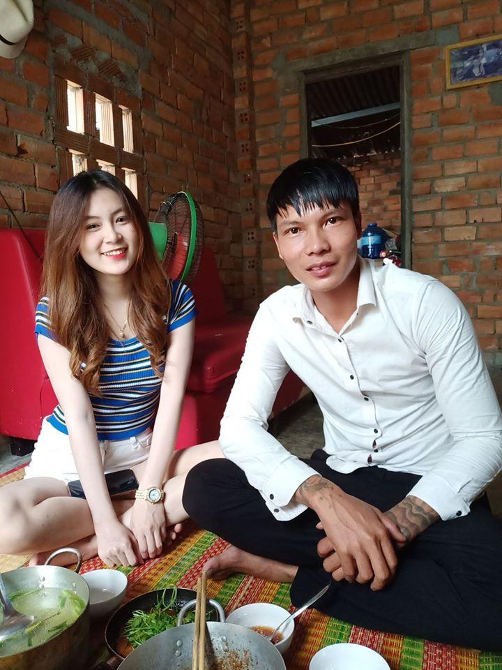 Bạn gái xinh đẹp xuất hiện bên Vlogger Lộc phụ hồ thời gian qua là ai? - 1