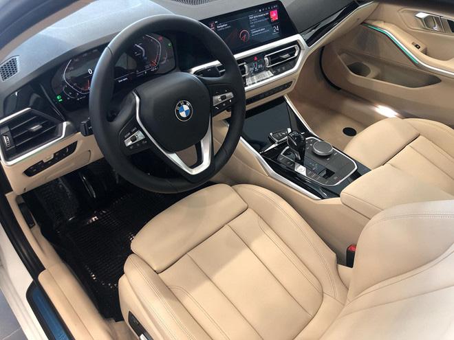 BMW bổ xung bản 330i Sport-Line tại Việt Nam, giá dự kiến 2,2 tỷ đồng - 9