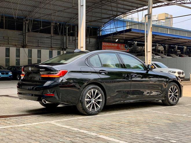 BMW bổ xung bản 330i Sport-Line tại Việt Nam, giá dự kiến 2,2 tỷ đồng - 3