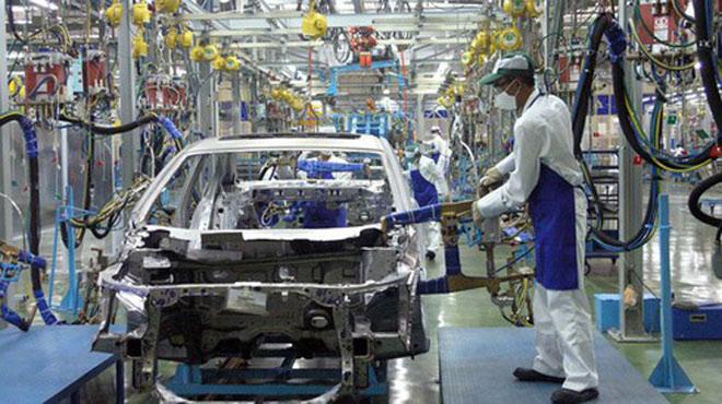 Công nghiệp hỗ trợ ô tô Việt Nam: Mới chỉ sản xuất được săm, lốp, gương, kính... - 1
