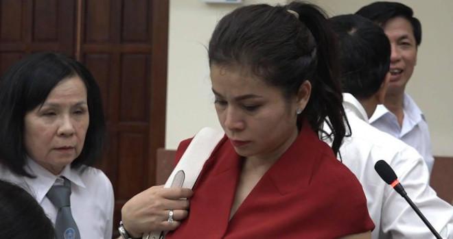 """Trước giờ tuyên án: Tình tiết """"nóng"""" vụ ly hôn của bà Lê Hoàng Diệp Thảo - 1"""