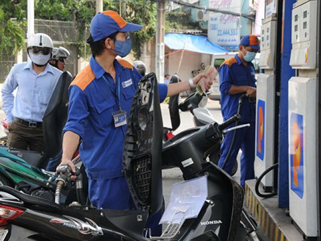 Giá xăng dầu bật tăng mạnh 4% trước thềm cuộc họp OPEC