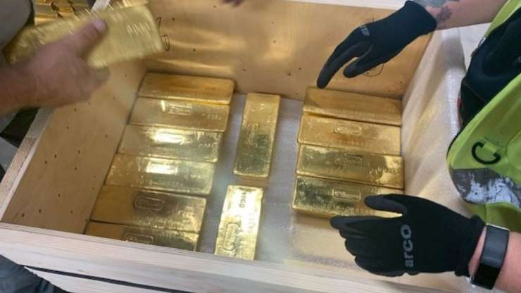 Anh bí mật trao trả hơn 100 tấn vàng cho Ba Lan - 1