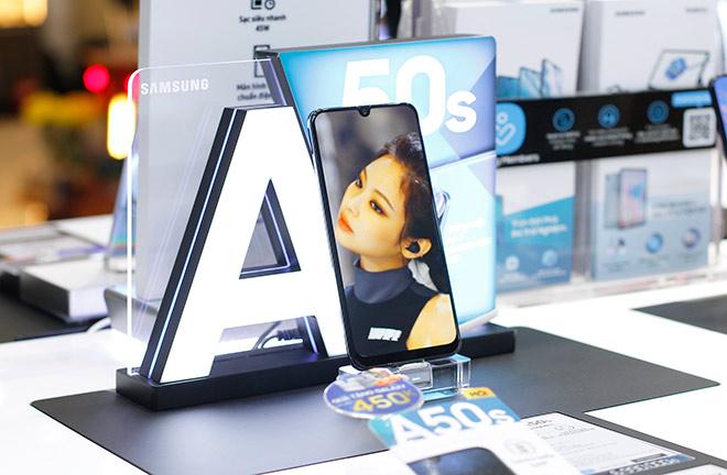 Sở hữu Galaxy A50s chỉ từ 699.000 đồng tại FPT Shop - 1