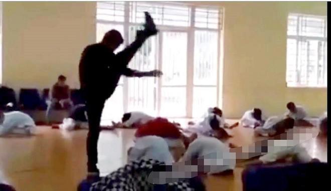 """Vụ thầy dạy võ đấm, đá, đạp liên tiếp các học trò: Phạt tội """"Xâm hại sức khỏe người khác"""" - 1"""