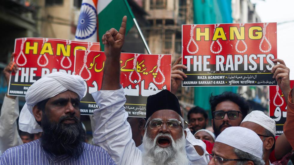 Vụ cưỡng hiếp, thiêu sống chấn động Ấn Độ: Cảnh sát bắn chết 4 nghi phạm - 1