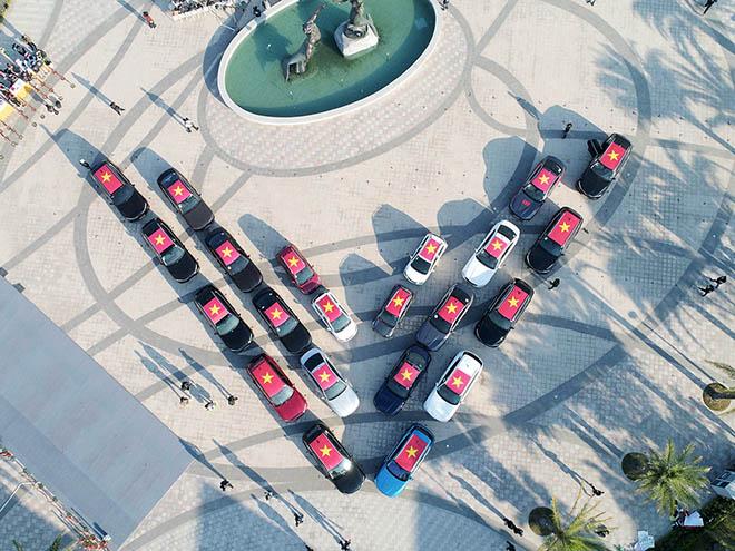 Gần 100 chiếc xe VinFast chinh phục vùng đất Tây Bắc - 1