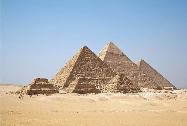 Những bí ẩn về kim tự tháp Ai Cập 4000 năm tuổi - 1