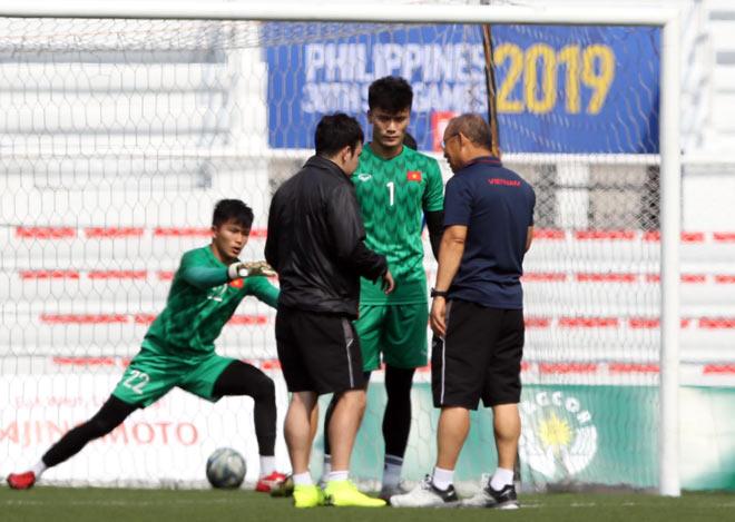 Đau đầu thủ môn U22 Việt Nam: Thầy Park xuất chiêu cho Bùi Tiến Dũng - 1