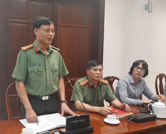 Vụ tạm đình chỉ 2 sĩ quan CSGT bị tố bảo kê: Nhiều câu hỏi chưa được giải đáp - 1