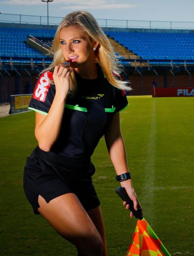 Bởi vậy, Fernanda Colombo có thân hình săn chắc và quyến rũ,