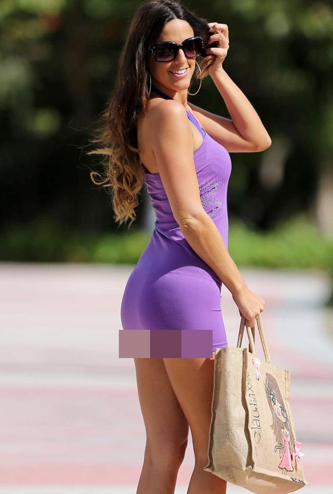Ngoài là trọng tài, Claudia Romani còn là người mẫu nên cô cũng áp dụng chế độ giảm cân và tập gym giữ dáng.