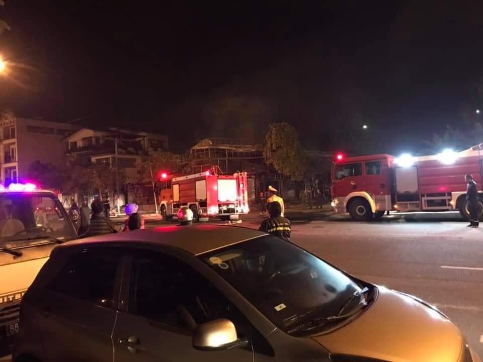 Cháy nhà hàng Ba Miền lúc rạng sáng, 4 người tử vong - 1
