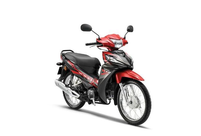 Honda Wave là dòng xe máy phổ thông nổi tiếng khắp thị trường Đông Nam Á. Không chỉ ở Việt Nam, Thái Lan mà cả ở Malaysia, Wave cũng rất được ưa chuộng, đặt biệt là dòng xe cỡ nhỏ Wave Alpha có công suất 110cc. Ảnh 2020 Honda Wave Alpha 110 mới cập nhật ở Malaysia.