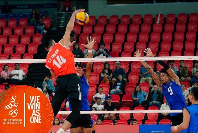 Bóng chuyền nam Việt Nam bàng hoàng thua cả Campuchia vỡ mộng SEA Games - 1