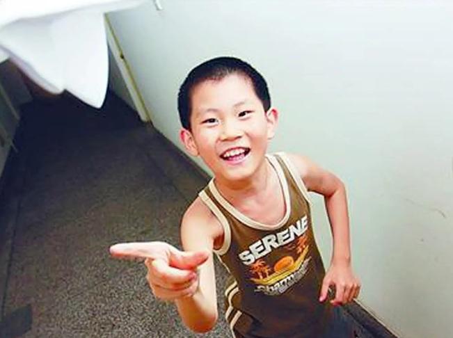 Thần đồng Trung Quốc hoàn thành bậc tiểu học chỉ trong 2 ngày rưỡi - 1
