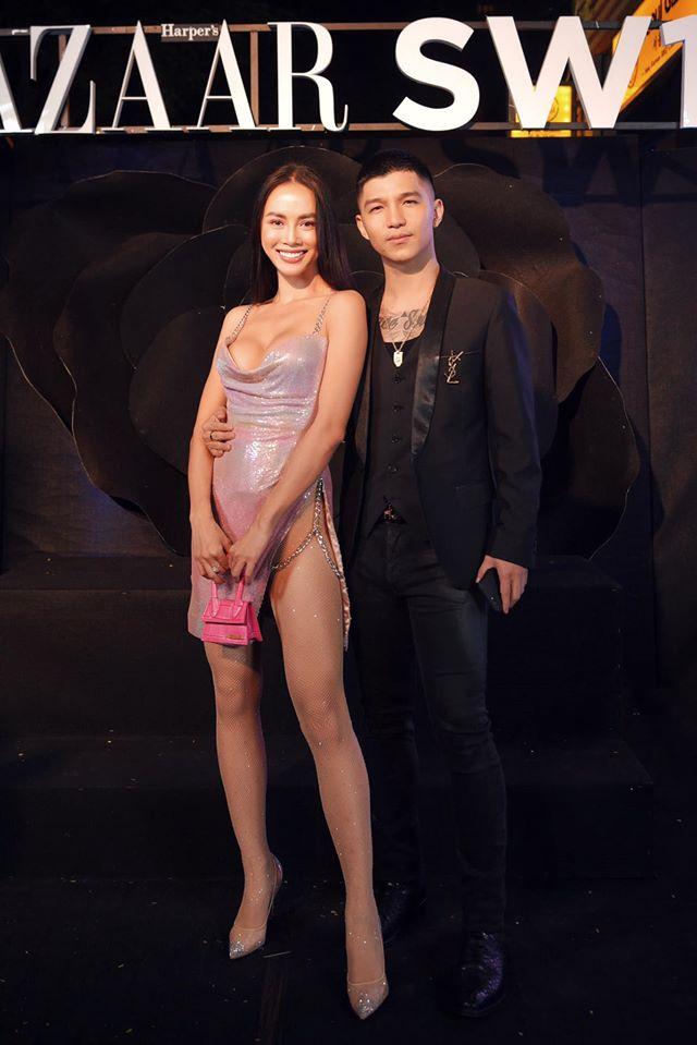 Váy xẻ cao táo bạo được Vũ Ngọc Anh, Minh Tú chinh phục đẹp mắt - 1