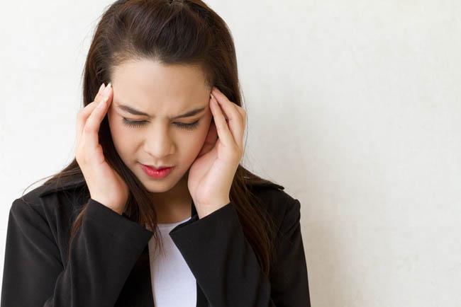 6 cách giúp giảm tình trạng tóc bết, nhiều dầu mà bạn chưa biết - 1