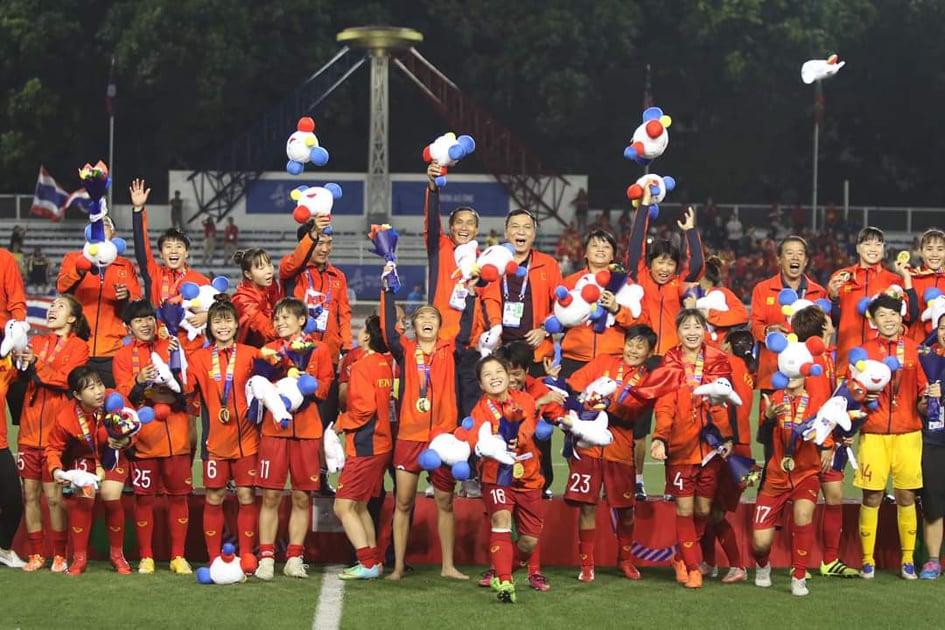 Đánh bại Thái Lan, mỗi tuyển thủ nữ Việt Nam được thưởng 1 chiếc xe máy loại tốt - 1