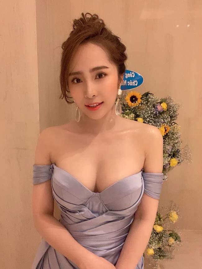 Vốn theo đuổi phong cách thời trang gợi cảm, sexy như Quỳnh Nga thừa nhận mình khá tự ti về vòng 1.
