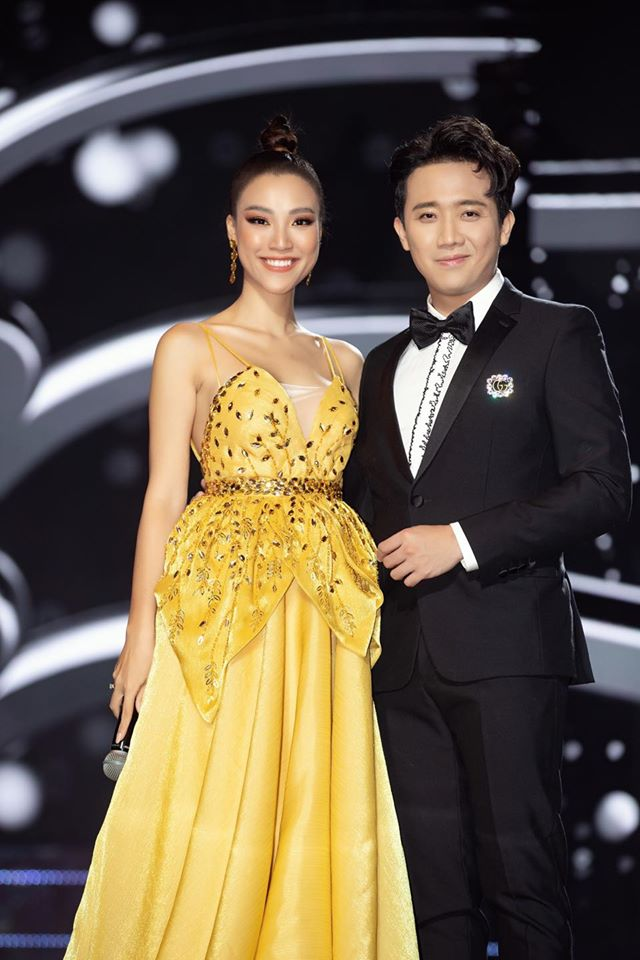 """Trấn Thành hết lời khen ngợi tân Hoa hậu 9X, Hari Won liền """"tỏ thái độ"""" - 1"""