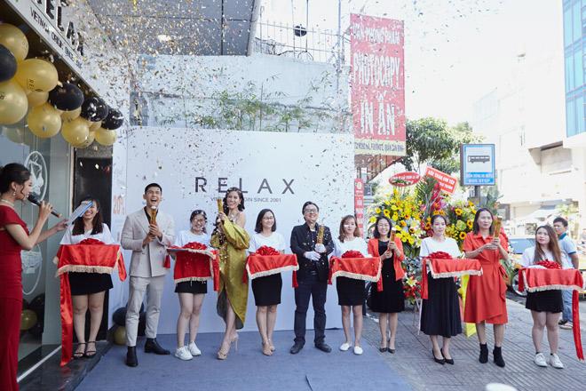 Á hậu Hoàng Hạnh cùng Siêu mẫu Hùng Phạm dự khai trương showroom nhượng quyền nội y Relax - 1