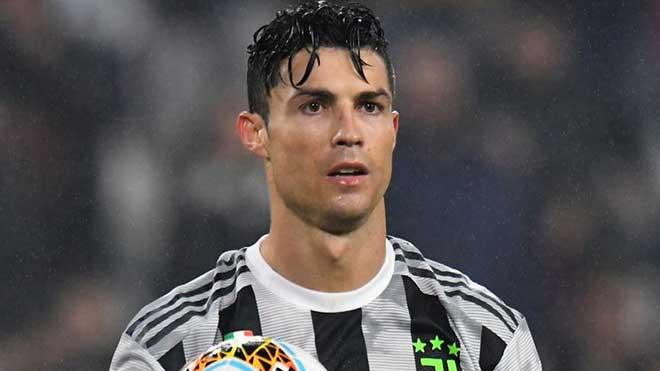 Ronaldo 2 năm hụt bóng Vàng: Hối hận rời Real, bắt đầu chán Juventus? - 1