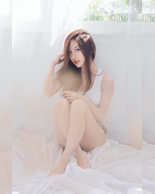 Sitapha Uttaburanont (hay còn gọi là May Sitapha) là hot girl nổi tiếngở Thái Lan.