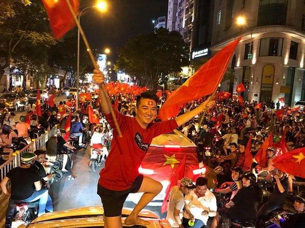 """Mr Đàm """"đóng cửa"""" biệt thự 60 tỷ ngay trước trận chung kết Việt Nam-Indonesia - 1"""
