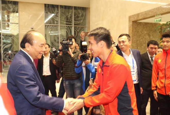 Thủ tướng nói về lý do gặp mặt 2 đội tuyển bóng đá Việt Nam trước - 1