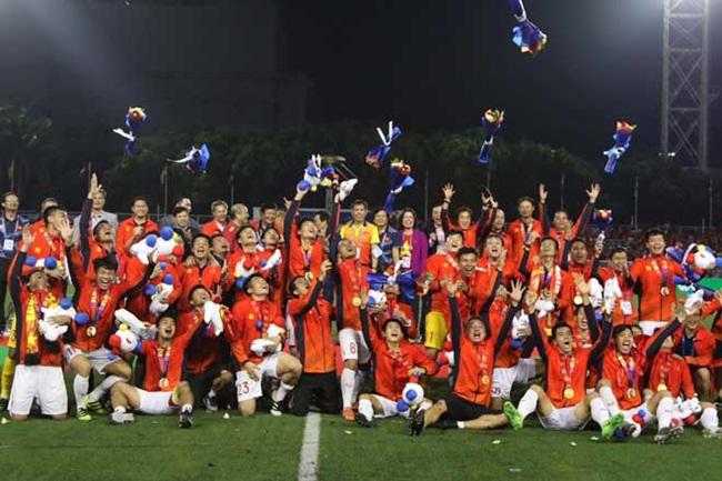 U22 Việt Nam đã giành được huy chương vàng (HCV) môn bóng đá nam tại SEA Games 30 sau 60 năm chờ đợi. Ngoài ra, đoàn thể thao Việt Nam cũng giành được rất nhiều HCV tại các môn thi đấu khác.