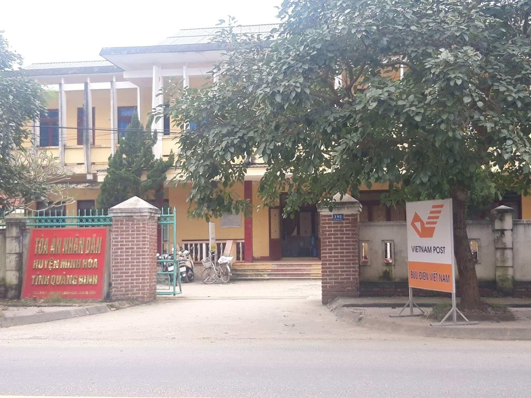 """Nóng 24h qua: Diễn biến bất ngờ vụ nữ kế toán """"mây mưa"""" với chánh án TAND huyện tại trụ sở - 1"""