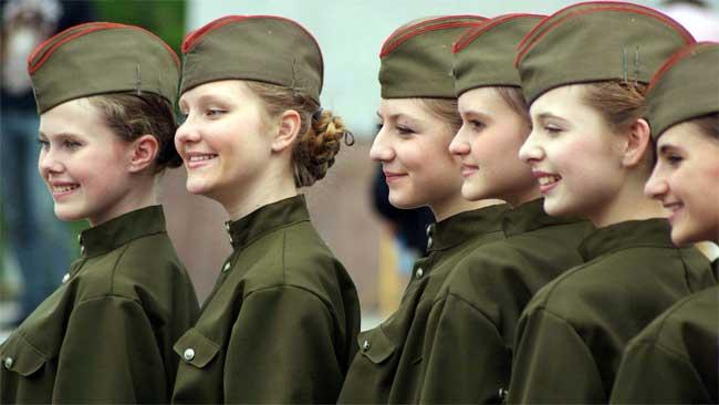 BrandedGirl chọn ra các quốc gia có binh lính nữ xinh đẹp nhất, trong đó Nga và Israel.