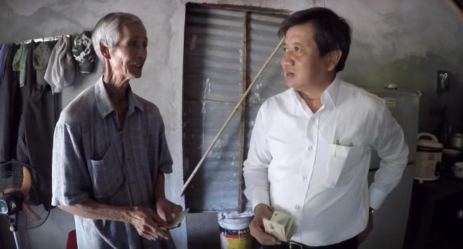 Nóng 24h qua: Gia đình cầu thủ Hà Đức Chinh liên tục mổ lợn, mổ trâu đãi khách - 1