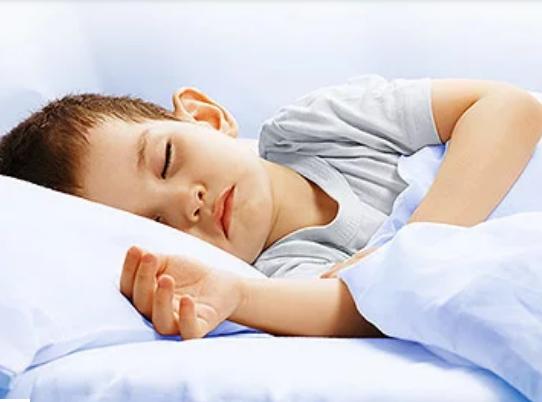 Làm sao để luyện cho con ngủ riêng - 1